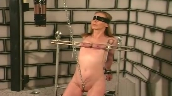 Amateur Sucks Dildos With Her Mambos Tied Up In Ropes Vietnam fuck sex movie
