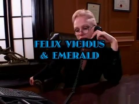 FELIX VICIOUS EMERALD LESBIAN