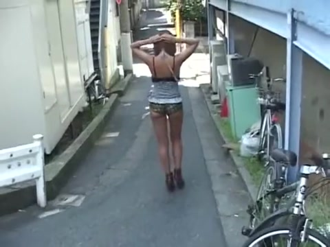 Sexy hot pants in street Yang thai lick cock load cumm on face
