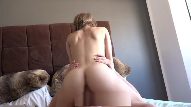 Laylas silky pussy is worthy for some gentle massage