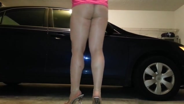 PANTYHOSE tease in garage! Hot village auntys nude