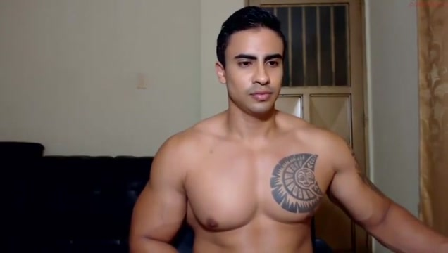 Tattooed Muscled Cammer Bound heat whip