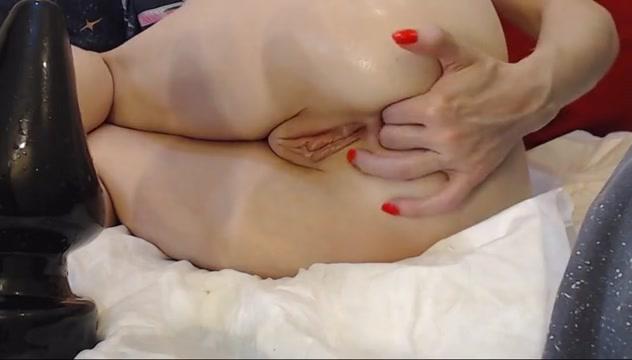 Huge buttplug ej naked and afraid