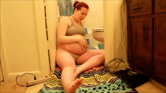 the mother of love: this pregnant girl has a water break on camera Skout alternative for pc