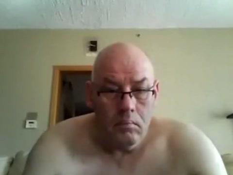 Bald Dad Wanking Woman seeking sex in Les Cayes