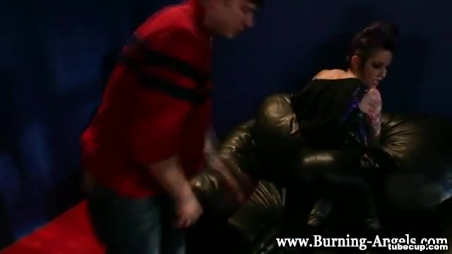 Latex clad punk rimmed curl her toes sex
