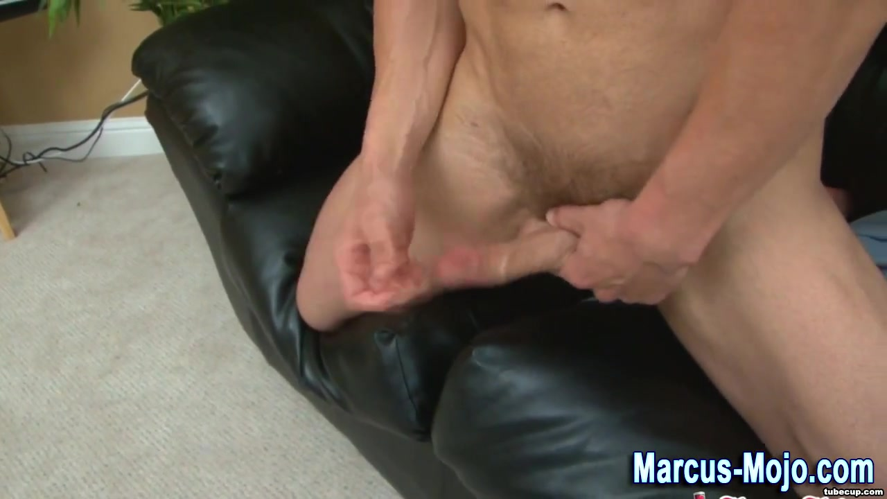 Ripped solo pornstar cums Visit And Horny