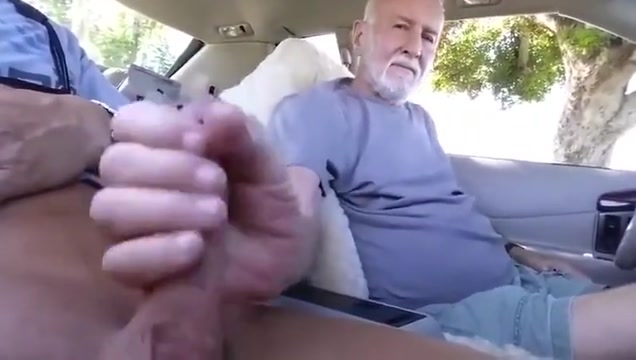 Grampa sucks in his car Sexxy Bedo