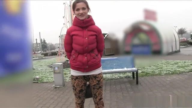 Amateur Czech girl fucked in public