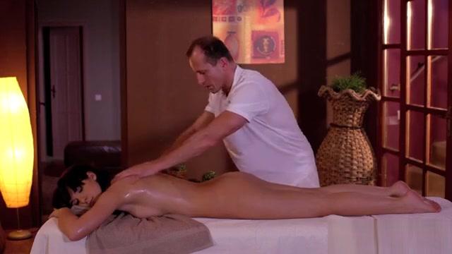Hot Pornstar Sex And Massage Lesbian squirt gif