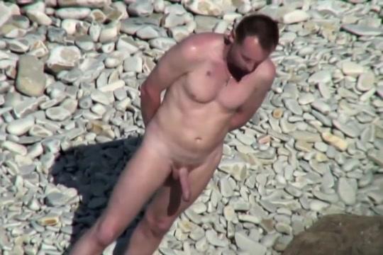 Hung uncut wank at beach Nude women in Minneapolis