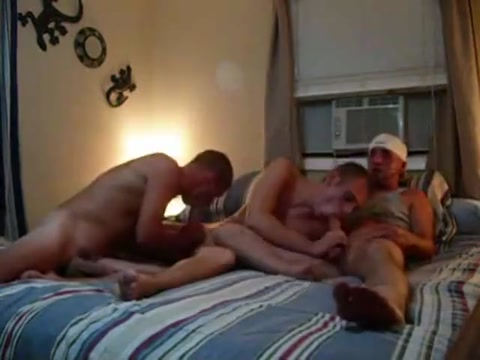 Amatuer buddies bareback orgasm during a gyno