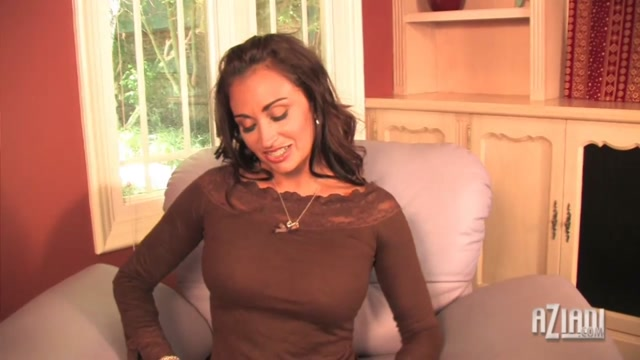 Claudia Valentine Video - Aziani