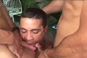 3some De Malhados Na Piscina Cougar Dating Free Uk