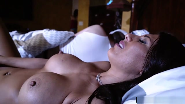 Shavelle Love Make Out With Her Bffs Mommy Makayla Cox Sailor moon lesbian porn