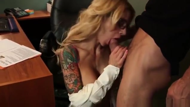 Classy breasty Sarah Jessie is making a perfect Blowjob Having sex with a hooters girl