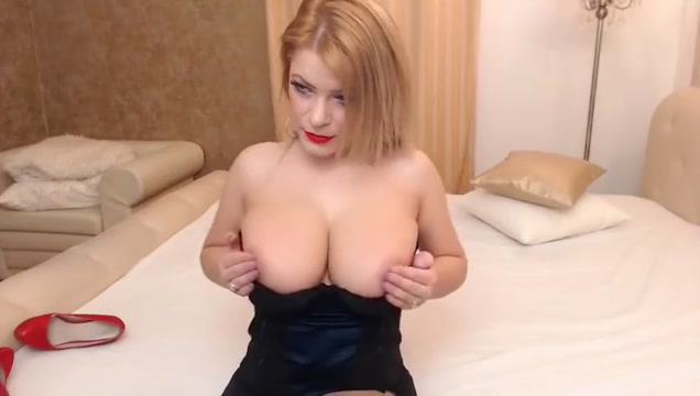 Webcam blonde has really huge boobs Dawn allison nude