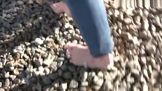 barefoot walking very smart hd pussy porn vedio