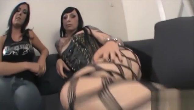 Kimmy se fait baiser devant les cameras du Porntour - Porntour Ebony bbwst anal vid