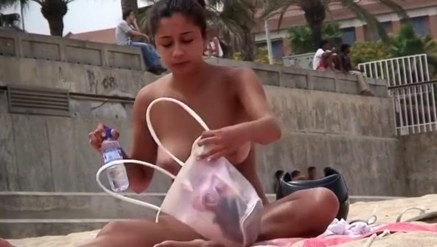 Rauchende Dickeuternutte am Strand!