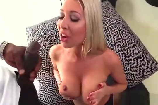 Pornstar Honey Gets Her Anal Poked With Enormous Penis