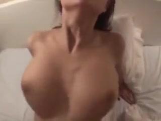 Fille de lest aux gros seins magnifiques dans sa sextape Nasty woman in Algeria