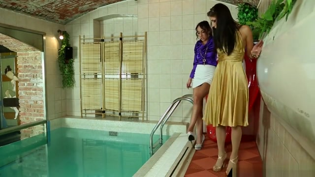 Shiny Satin Pool Pal Freaks Transvestites transsexuals crossdressers oswestry