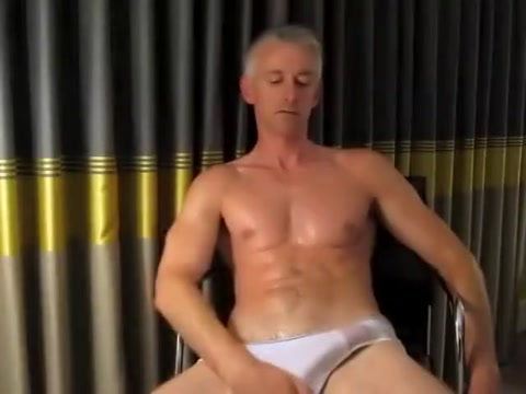 Silver Fox Daddy Solo How to spot a man who won t commit