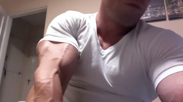 Santo Muscle Hot black slut gets fucked