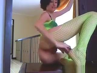 Wild Cam Slut Orgasms