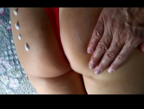 Fazendo uma massagem pra Syl