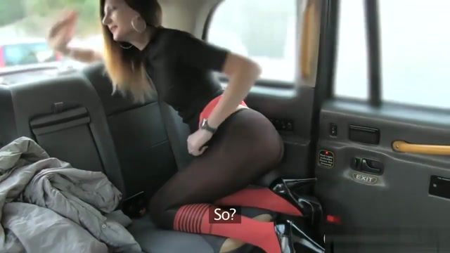 Amateur Babe Shows Off Ass And Pounded In The Backseat Natural tits in bras