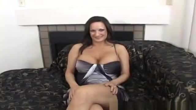 Enticing breasty experienced woman giving a great blow job