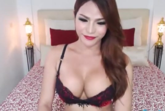 Big Cock Shemale in Bikini Lingerie live on cam