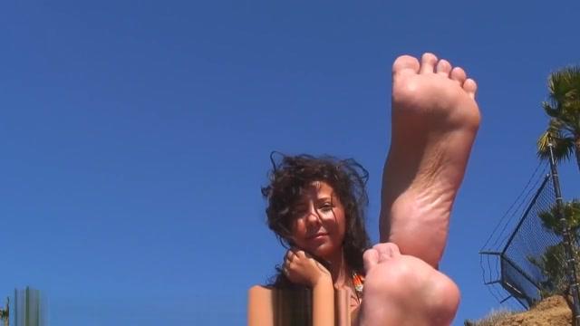 CBF Soft tan feet Free hot lez porn