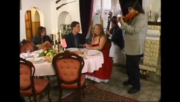 restaurant dinner hot pakistani aunty boobs exposed pakistani scandal hottest 1