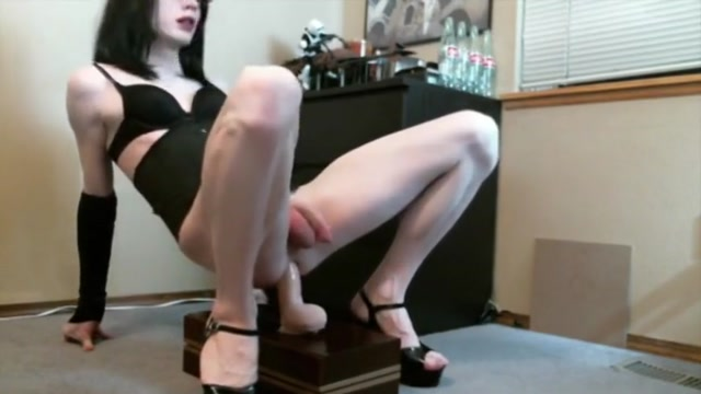 sissy riding hands free housewife sucks her own tits