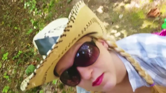 Sloppy Blowjob in the Woods Huge Cumshot Very sexy girl com