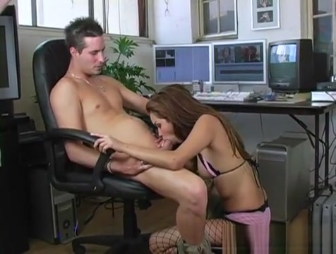 Teen Playgirl Loses Her Anal Virginity With Hugecocked Guy models in girls on film