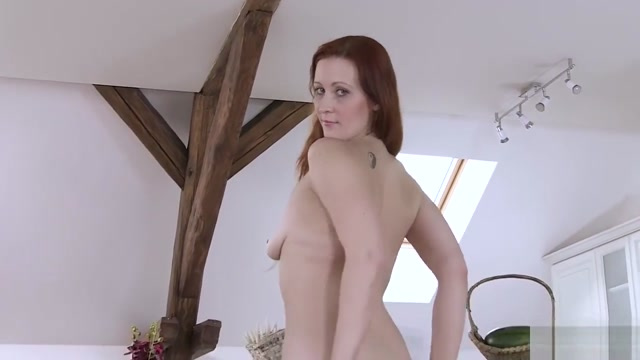 Czech Redhead Babe Gaping Her Cunt pics naked femail pop stars