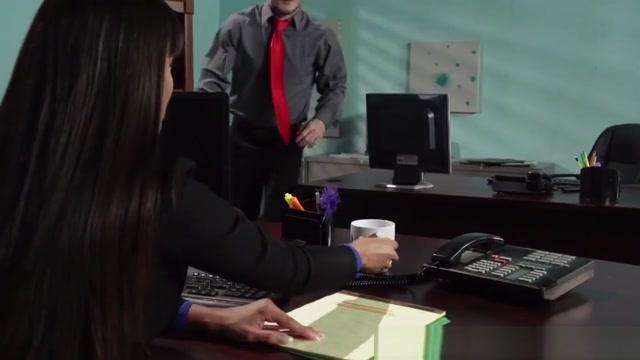 Brazzers - Big Tits At Work - Mercedes Carrer baixar videos porno amador gratis