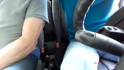 Mon beau pere me branle en voiture Sharing his phat ass wife amateur