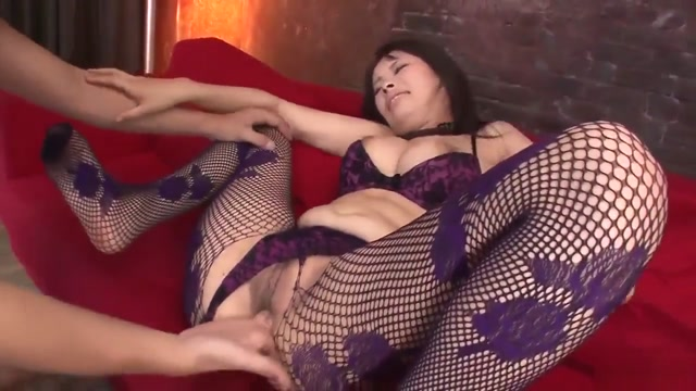 Threesome Extreme For Busty Asian Woman Kyouko Maki Hamaster Sex Tube