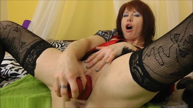 Dirtygardengirl Anal Prolapses From A Fat Brutal Dildo Mature women dildo fucking sissies
