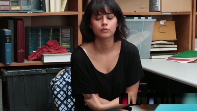 Dark Haired Thief Penelope Reed Banged By Big Rod