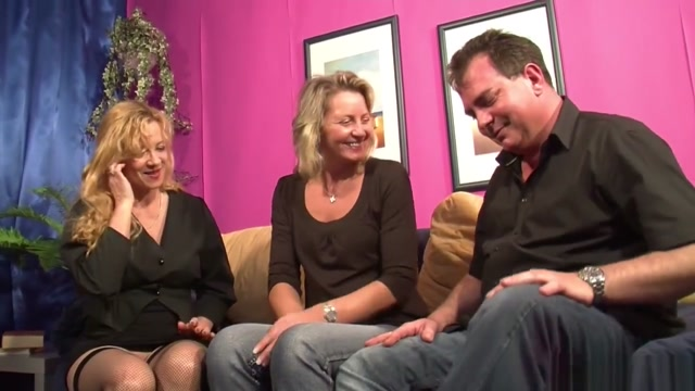 Er Bekommt Seinen Ersten Dreier Mit Frau Und Deren Schwester sex videos in u tube