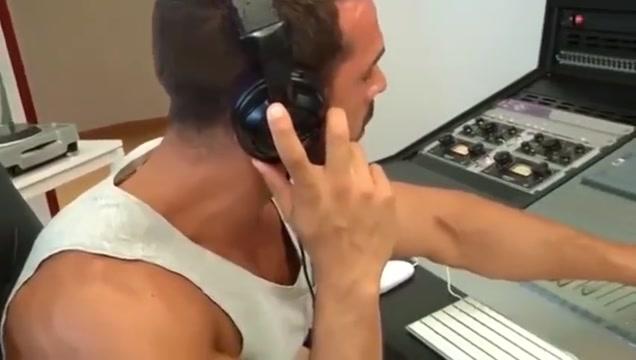 Follando con mi maestro de musica Max makita porn pics