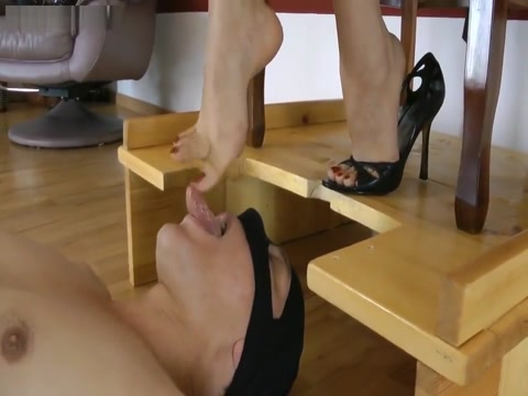 Suck My High Arched Feet emo amy fuck