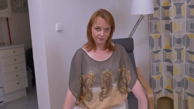Euro Milf Elisabeth Strips Off And Rubs Her Shaven Cunt Skype hookup