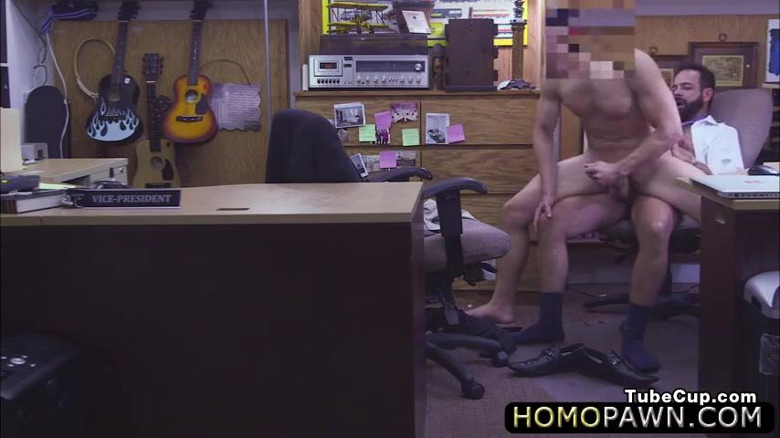Jobless dude sells his office stuffs and receivess a deepthroat Gentle handjob vids